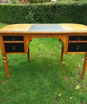 Reproduction Style Office Desk Leather Top Writing Computer Desk Quality Item