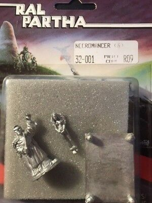 Ral Partha - All Things Dark and Dangerous, Necromancer (3 pcs)  32-001