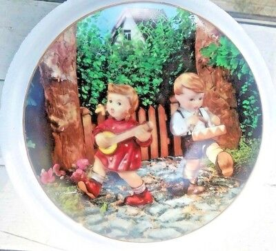 "MJ Hummel Danbury Mint Collector Plate ""Private Parade"" Little Companions NEW"