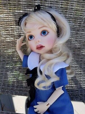 """ALICE in WONDERLAND by KIM LASHER + CUTE TABLE FAVORS - MDCC 2017 14"""" RESIN BJD"""