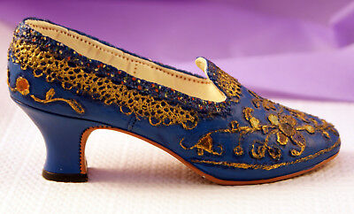 """Just the Right Shoe by Raine 1998 - Willits Designs. """"The Empress"""", # 25012."""