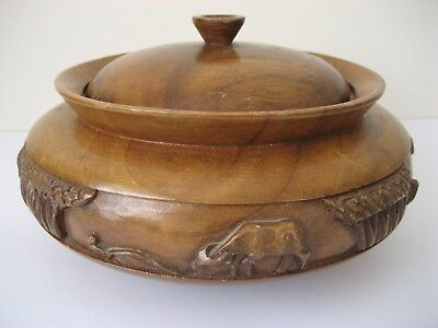 Larg Wooden Bowl With Lid Many Uses