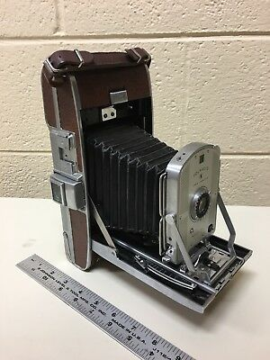 Vintage 50s Polaroid folding Speedliner Land Camera model 95B. shutter works