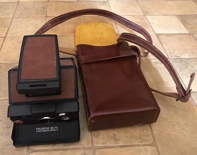 VINTAGE POLAROID SX-70 INSTANT LAND CAMERA Model 3 W/ LEATHER CARRYING CASE