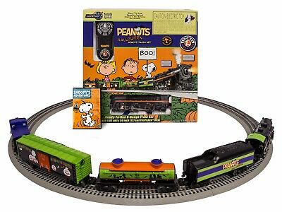 Lionel Peanuts Halloween 2-4-2 Steam LionChief Remote Control Set # 6-30214