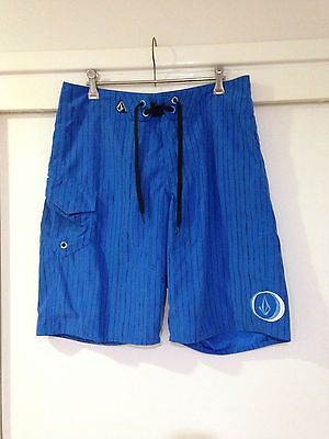 Volcom Mens Blue Board shorts With Stripes Size 30 Good Condition