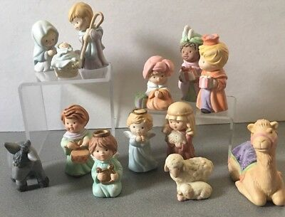 AVON Heavenly Blessings Complete 13 Pcs NATVITY FIGURINES no boxes EUC