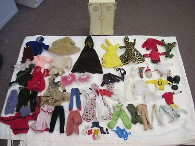 Job Lot/Bundle Vintage Sindy Clothes.Coats/Dresses/trousers/Jumpers/Wardrobe