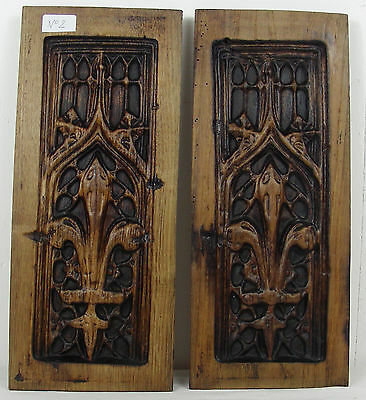 French pair 19thC GOTHIC WOODEN OAK PANEL carved  heraldic lily n°2