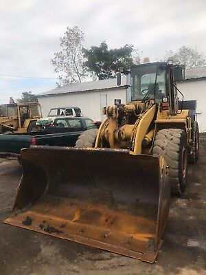 1995 Caterpillar 950F Wheel Loader / CAT / 5500 Hours /11 ft angle Plow & wing