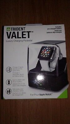 Trident Valet Luxury Charging Pedestal for Apple Watch /Black