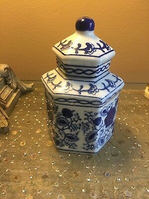 Blue And White Porcelain Asian Octagon Jar with Lid - China 7""