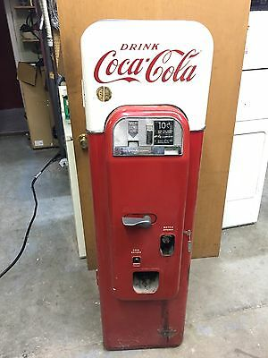 Rare Completely Original Vendo Coca-Cola Pop Bottle Machine Model 44