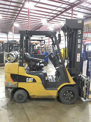 2012 Cat 2C6000, 95/276 Quad Mast Lp Cushion 6,000Lb Forklift