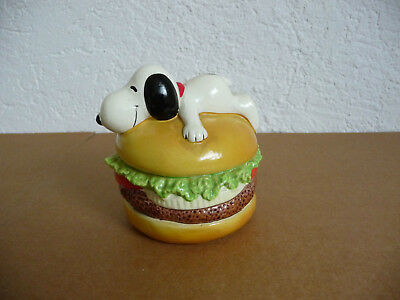 RAR Peanuts Dog Hund Snoopy liegend auf Hamburger 1958 / 1966 Spardose Bank
