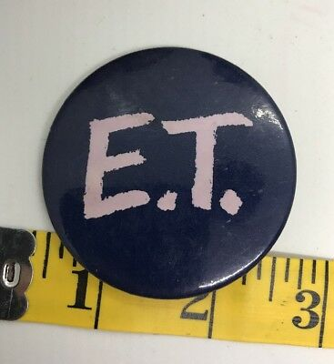 E.T. 1982 Pin Button Badge Pinback Universal City Studios Movie