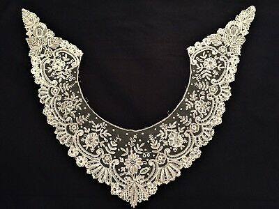 Antique Vintage, Victorian Light Beige Lace Collar  Very Good condition.