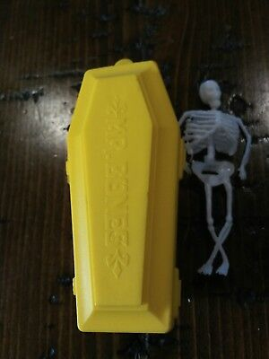 RARE Vintage Fleer Candy Casket Coffin Mr Bones