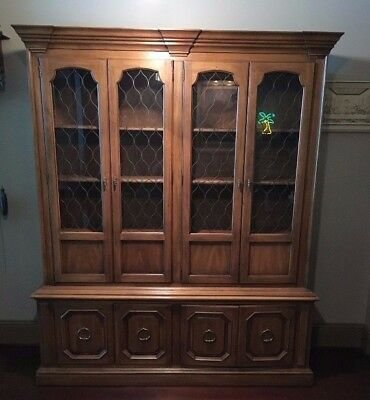 Drexel Heritage 2 Piece Dining Room Formal China Cabinet W Lighted Shelves