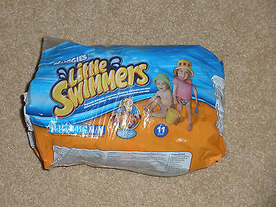 New Huggies Little Swimmers Swim Diapers Medium 24-34 Lb Package of 8 Tigger