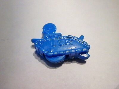 Vintage Cracker Jack plastic snap togethers, bobber heads, army tank / submarine