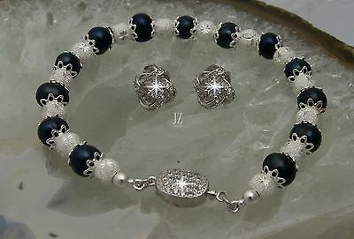 Black Freshwater Pearl Bracelet with S/Silver Crystal Clasp & Stud Earring Set.