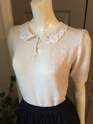 Vintage 80s Does 50s Nicole Curie Cream Short Sleeve Sweater Lace Collar Pearl