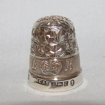 Hallmarked Sterling Silver Thimble Vintage Sewing in box ER QEII Birmingham 1952