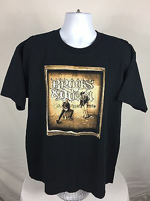 2005 Brooks & Dunn Play Something Country Tour Short Sleeve T-Shirt Size XL