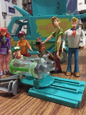 Scooby Doo The Mystery Machine Ghost Patrol Van With 6 Figures  Lot Fred Shaggy