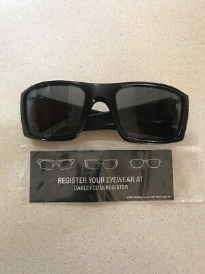 4a71989f45a71 Oakley Fuel Cell Sunglasses Oo9096-05 Matte Black   Grey Polarized