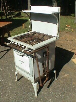Vintage Gas Stove,Oven  and Broiler, STANDARD Made IN USA local pickup only