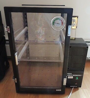Sanpla Sanplatec Dry Keeper Dehumidifier cabinet. Tested and working. NICE!