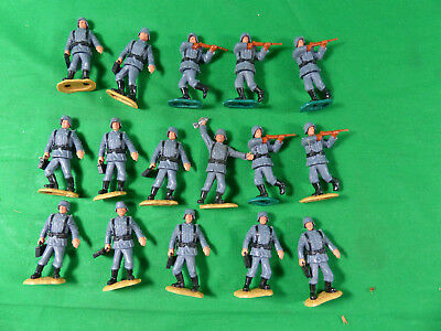 Timpo Toys WWII -  16x Wehrmacht German Infantry Soldiers  Swoppet