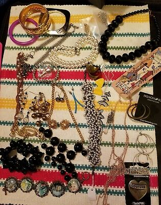 30 pc jewelry lot of mixed vintage and modern jewelry used and New #1