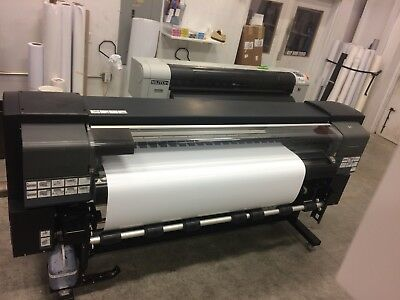 HP Designjet 9000s system is wet and maintained, 2 new print heads less year old