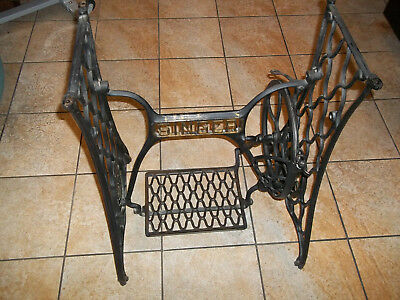 Antique Singer Treadle Sewing Machine Cast Iron Base EARLY MODEL WOOD PITMAN ARM