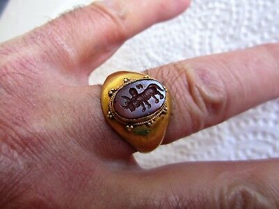 Ancient Roman Gold Ring with Intaglio Seal Carnelian - Gemme Buffalo