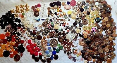 Big Lot of ANTIQUE & VINTAGE Sewing Buttons --- MOSTLY GLASS