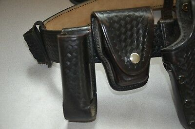 AKER Police Duty Gun Leather Belt Security/Law with extras, size 42.