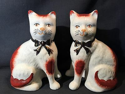 Vintage Pair of Staffordshire Ware Seated Cat Figurines / Bookends Kent England