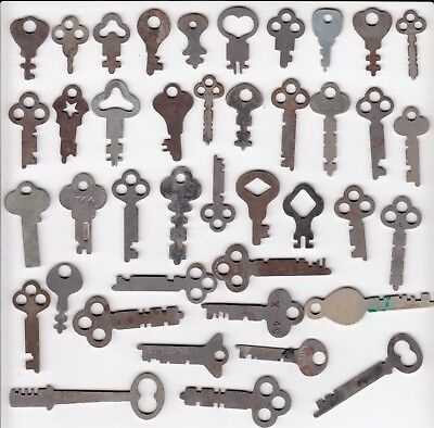 Lot of 41 Vintage  FLAT Keys lock door skeleton  Antique Steampunk