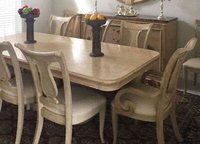 "Gorgeous Dining Table by Bernhardt  +2 -18"" leaves,and 6 chairs"