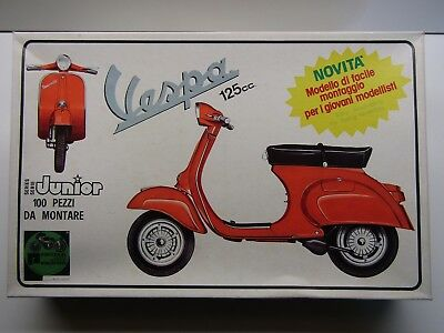 Protar Junior Vintage 1/9 Scale Vespa 125cc Scooter Model Kit - New - Kit # 113