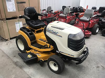 Low Hour Cub Cadet Ride On Lawnmower, Shaft Drive, Auto Trans RRP $6325 New!