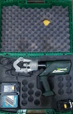 Greenlee Gator 18V Battery-Powered 12 Ton Dieless Crimping Tool EK12IDL