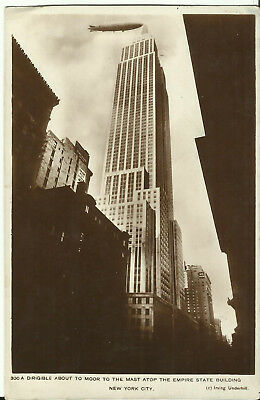 Postcard - Dirigible About to Moor Atop Empire State Building, New York, USA