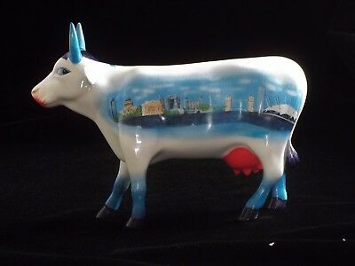 Cow Parade Retired Moonuments of London Cow 6009 Rare