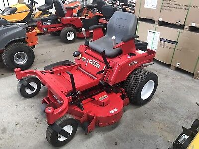 Country Clipper Commercial JOYSTICK Zero Turn Mower VERY LOW HOURS RRP $10499