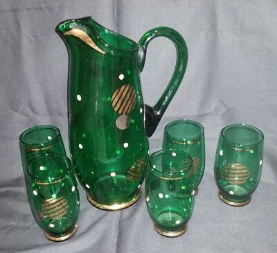 Retro drinkware green glass jug & 5 glasses with silver & gold pattern